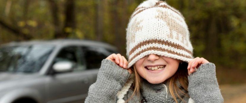 niña con ropa de invierno